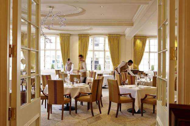 the-dining-room-goring