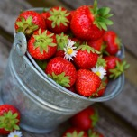 strawberries-3431122_1920