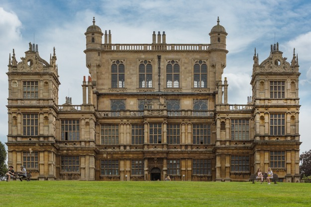 wollaton-hall-deer-park-2984140_1920